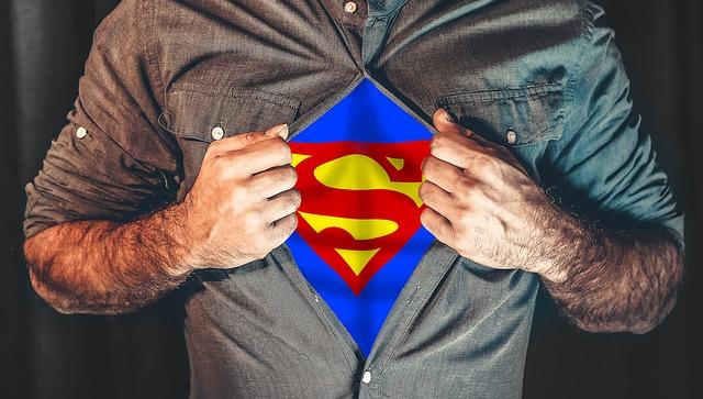 superhrdina pod košilí